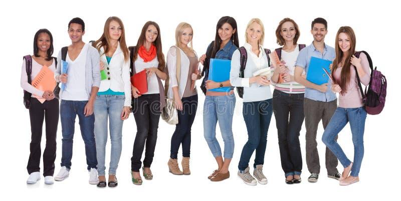 Multi rassen van groep studenten stock afbeelding
