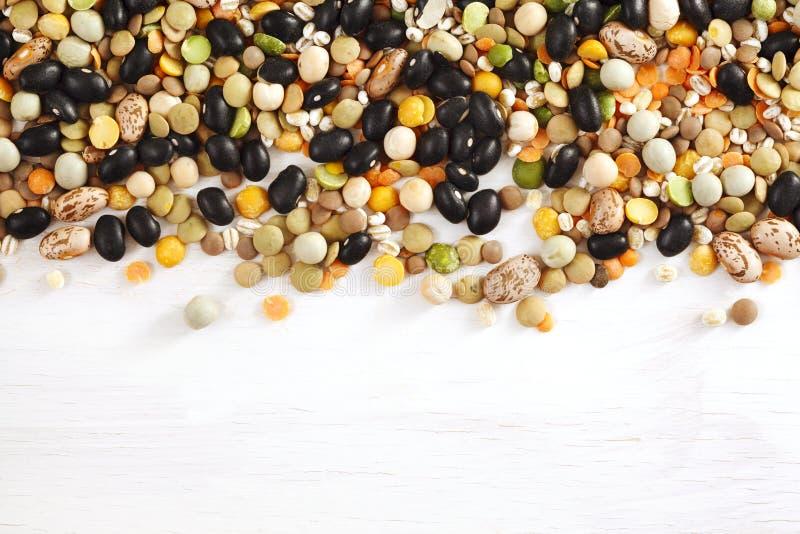 Multicolor высушенные бобы Различная сухая фасоль для еды здоровой Смешивание супа стоковая фотография rf