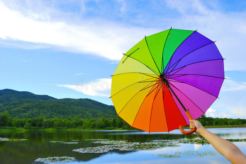 multicolor skyparaply för blått berg arkivfoto