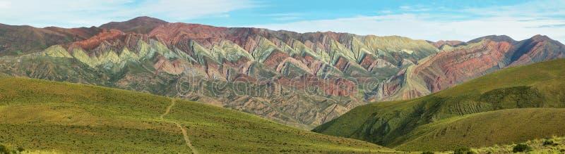 Multicolored berg als Serrania del Hornoca wordt bekend die royalty-vrije stock foto