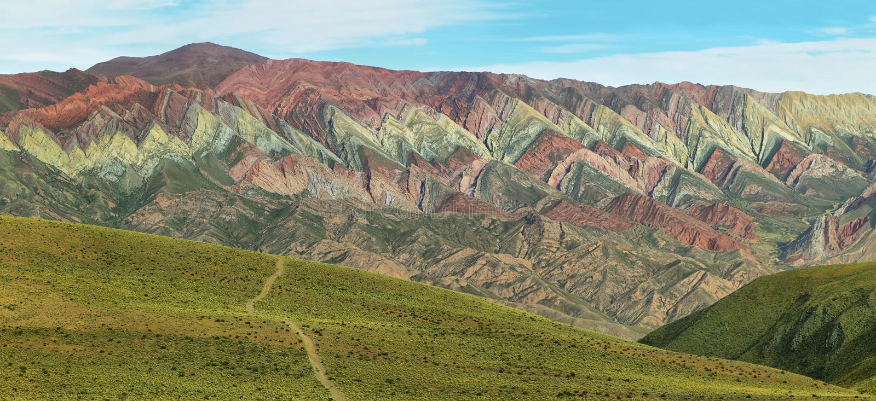 Multicolored berg als Serrania del Hornoca wordt bekend die stock afbeelding