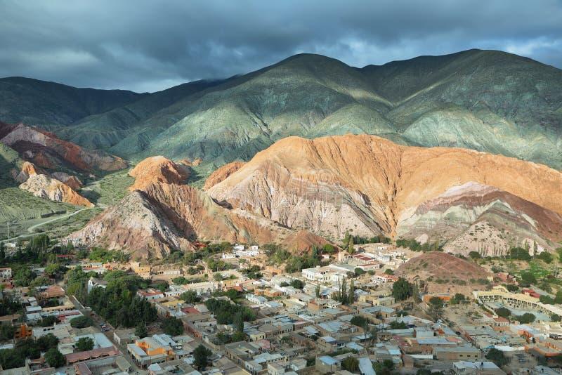 Multicolored bergen als Cerro DE los 7 colores worden bekend die stock afbeelding