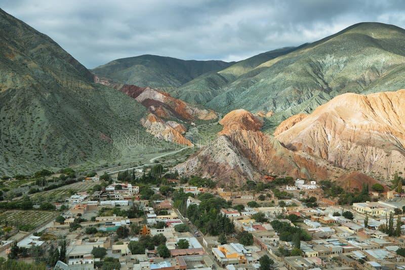 Multicolored bergen als Cerro DE los 7 colores worden bekend die stock afbeeldingen