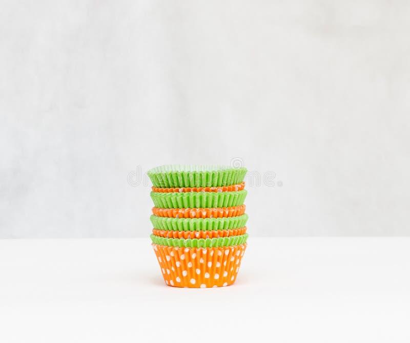 Multicolored document vormen voor muffins royalty-vrije stock afbeeldingen