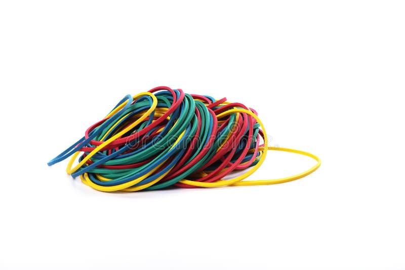 Multicolored elastiekjes op witte achtergrond worden geïsoleerd die royalty-vrije stock foto's