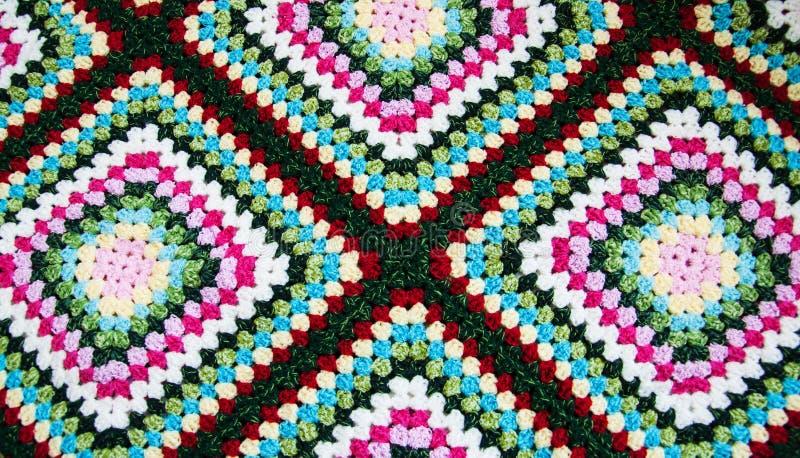 Multicolored plaidvierkant van gehaakt royalty-vrije stock foto's