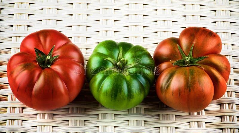 Multicolored Ruwe Tomaten stock fotografie