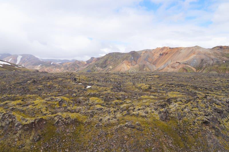 Multicolored ryolietbergen van Landmannalaugar, IJsland royalty-vrije stock fotografie
