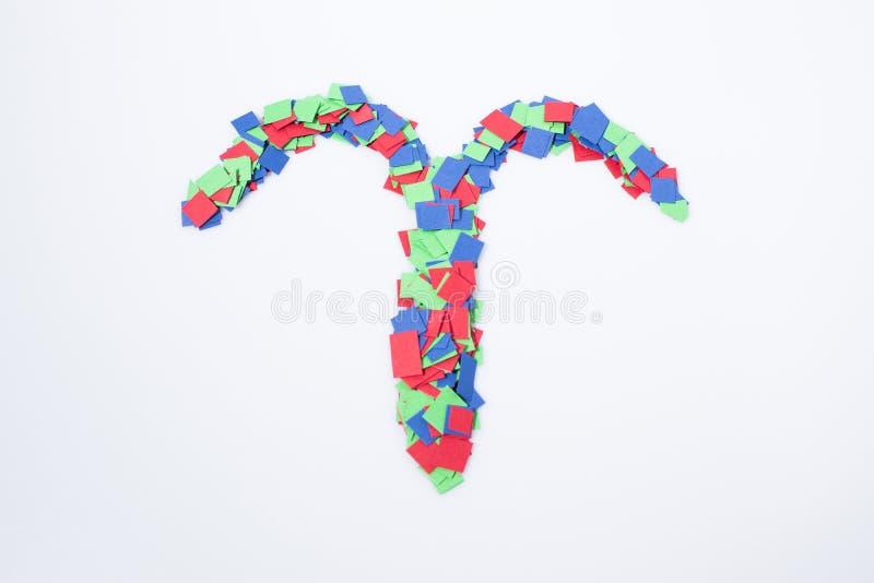Multicolorido do aries do símbolo do zodíaco isolado em um fundo branco imagem de stock royalty free