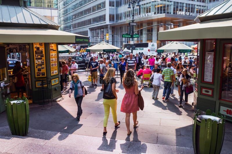 Multidão da cidade do Midtown imagem de stock