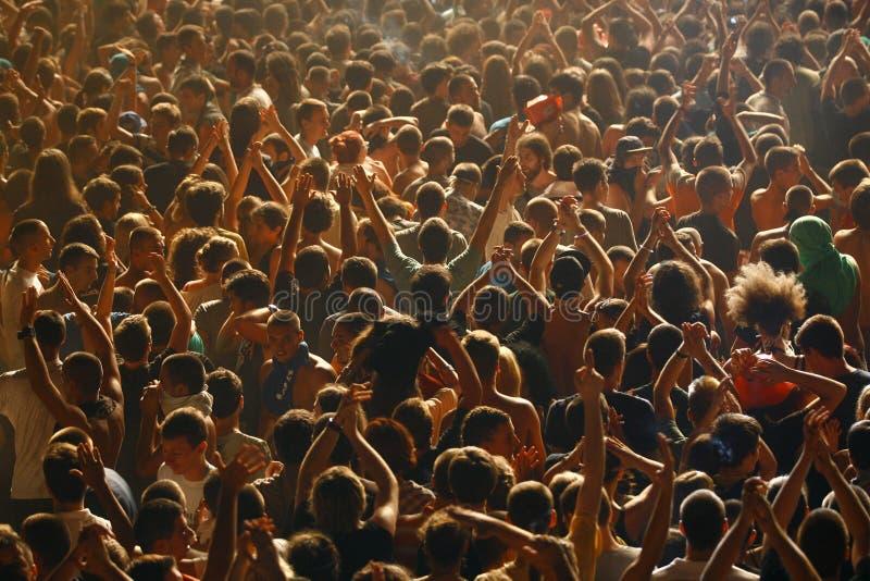 Multidão da perspectiva do ` s do pássaro imagens de stock royalty free