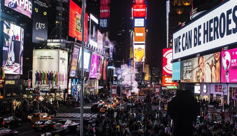 Multidão do Times Square de New York Manhattan fotografia de stock royalty free