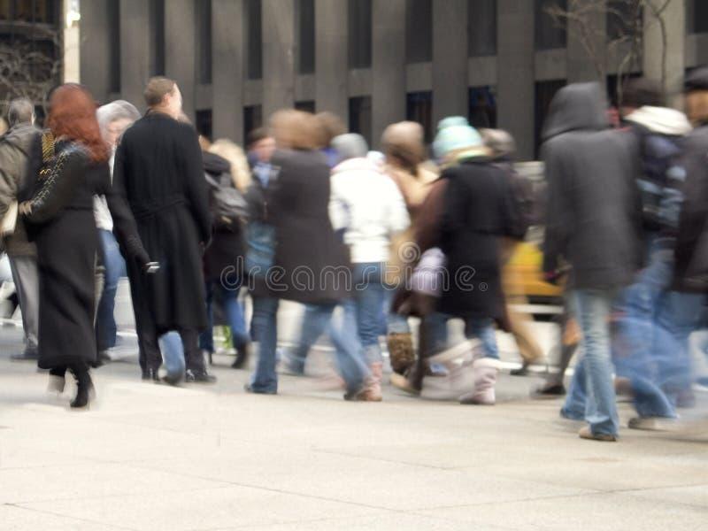 Multidão movente imagem de stock royalty free
