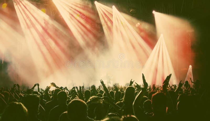 Multidão no concerto fotografia de stock