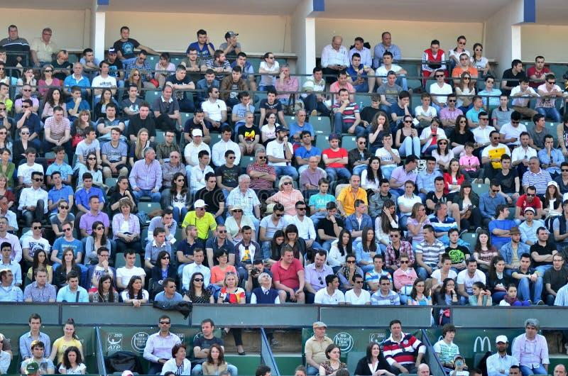 Multidão no troféu da RFA Tiriac Nastase 2013(8) imagens de stock