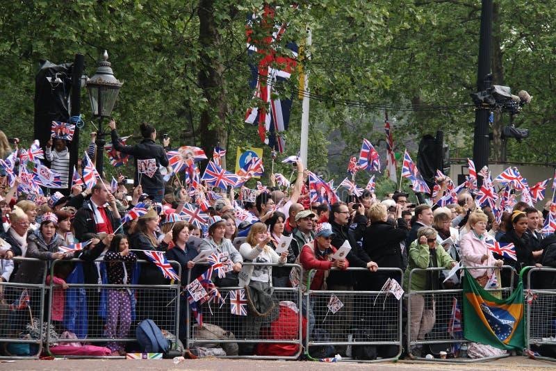 Multidões no casamento real 2011 imagem de stock royalty free