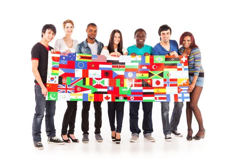 Multiethnische Gruppe junge Erwachsene stockfoto