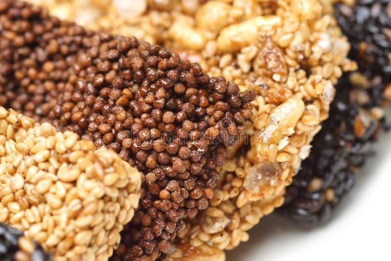 Multigrainbars voor een gezonde snack royalty-vrije stock afbeelding