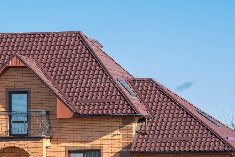 Multilevel dach pod balkonem z strychowymi skylights zdjęcie royalty free