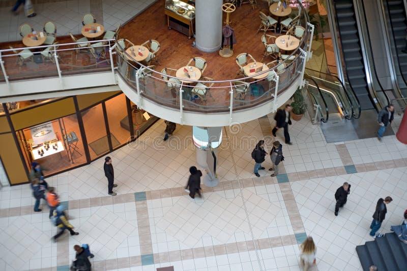 multilevel shopping för galleria royaltyfria foton