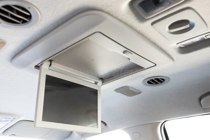 Multimedias visuales fijadas en un coche fotos de archivo