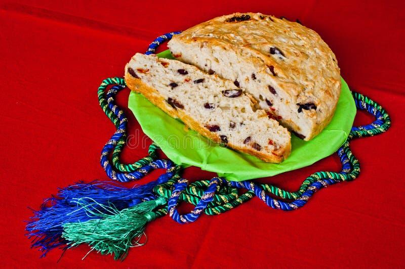Multiplié avec des olives et des tomates sèches - coupées en tranches images libres de droits