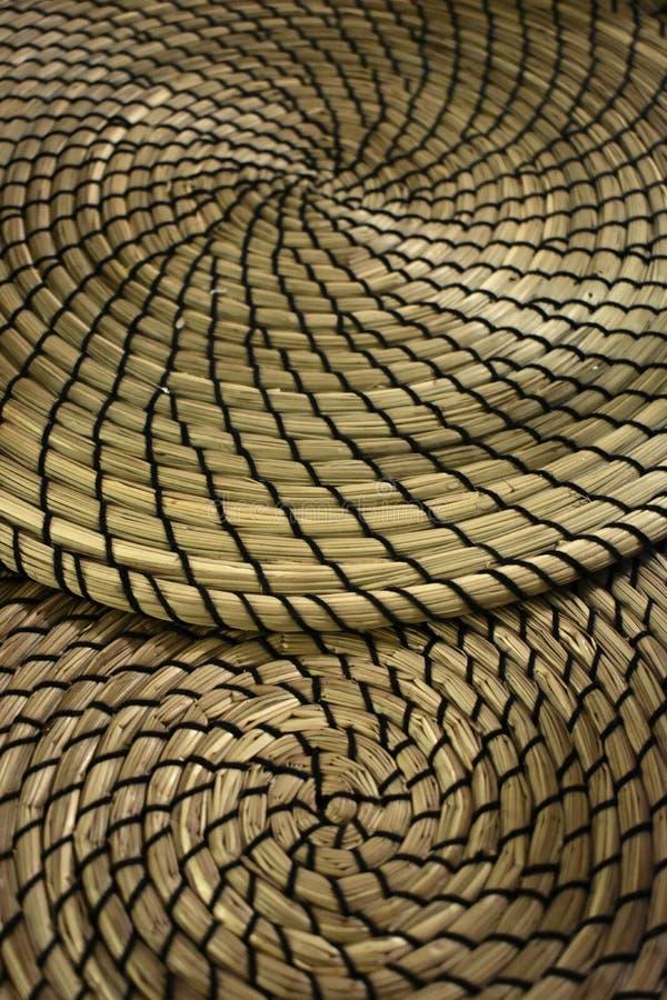 Multiplo di Fibonacci che contrappone le stuoie a spirale formate dell'erba asciutta fotografie stock