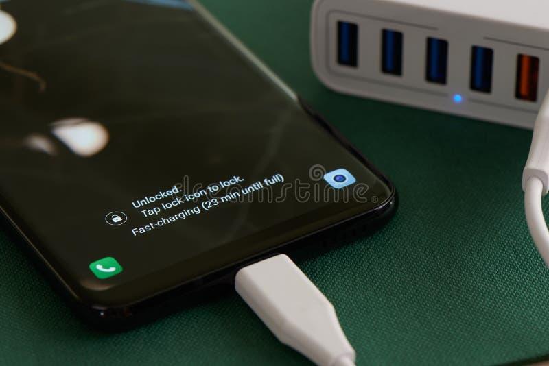 Multiport smartphone i zdjęcie royalty free