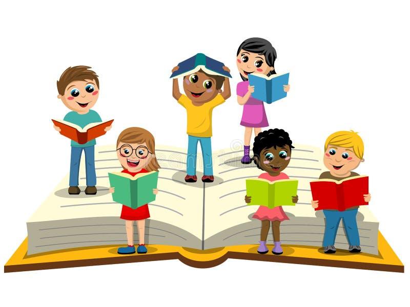 Multiracial дети или дети читая большую открытую изолированную книгу иллюстрация вектора