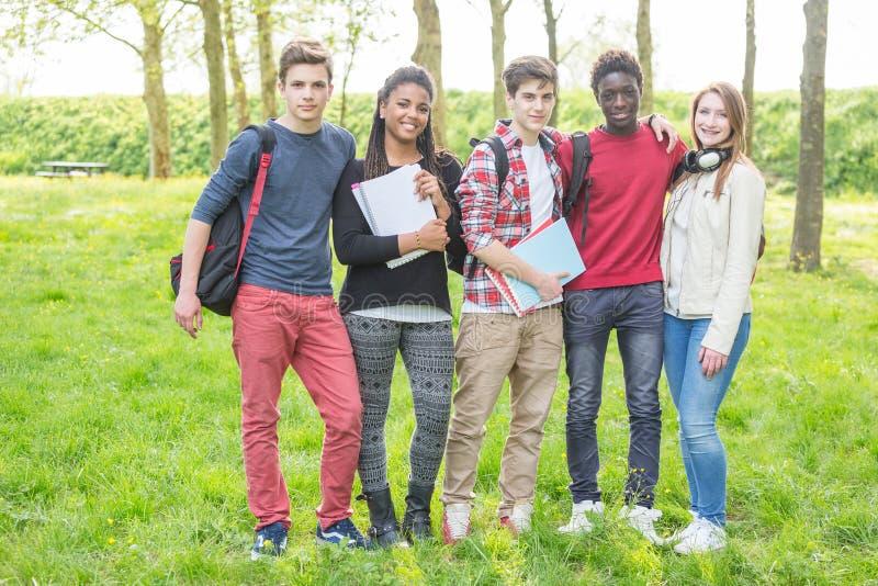 Multiraciale Tieners royalty-vrije stock fotografie