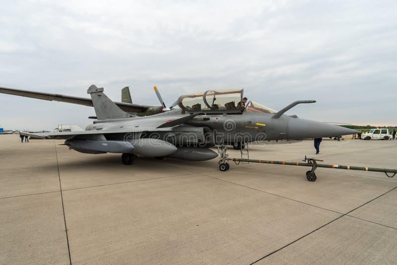Multirole kämpe Dassault Rafale C vid franskt flygvapen på flygfältet arkivbild