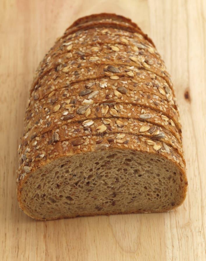 multiseed trä för bräde bröd arkivbild