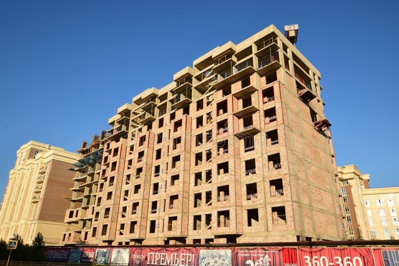 Multistorey будучи построенным здание стоковые изображения rf