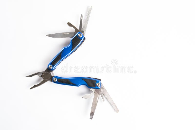 Multitool ouvert bleu avec l'ouvreur de bouteille de tournevis de couteau de pinces photo libre de droits