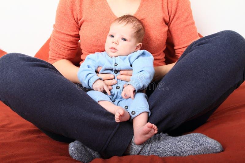 Mum com bebê recém-nascido imagem de stock royalty free