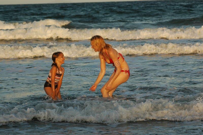 Mum e filha   fotografia de stock royalty free