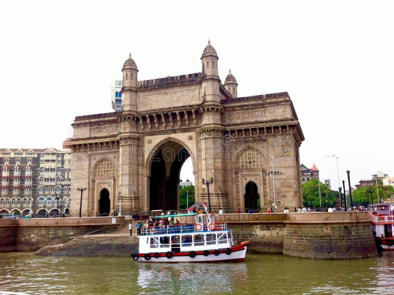 Mumbai-Fähre am Zugang von Indien stockfoto