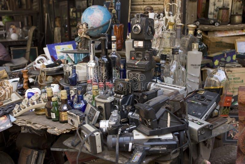 MUMBAI, INDIA - può 2014: Bazar di Chor - l'indiano antico ruba la m. fotografia stock libera da diritti