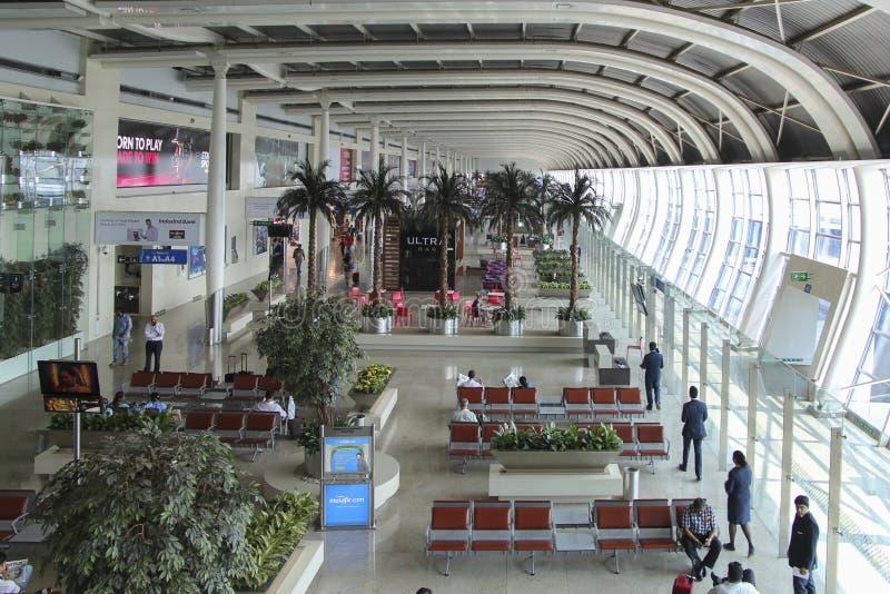 MUMBAI, MAHARASHTRA, ÍNDIA - 13 DE NOVEMBRO: Chhatrapati Shivaji International Airport em novembro 13, 2014 em Mumbai, Maharashtr imagens de stock