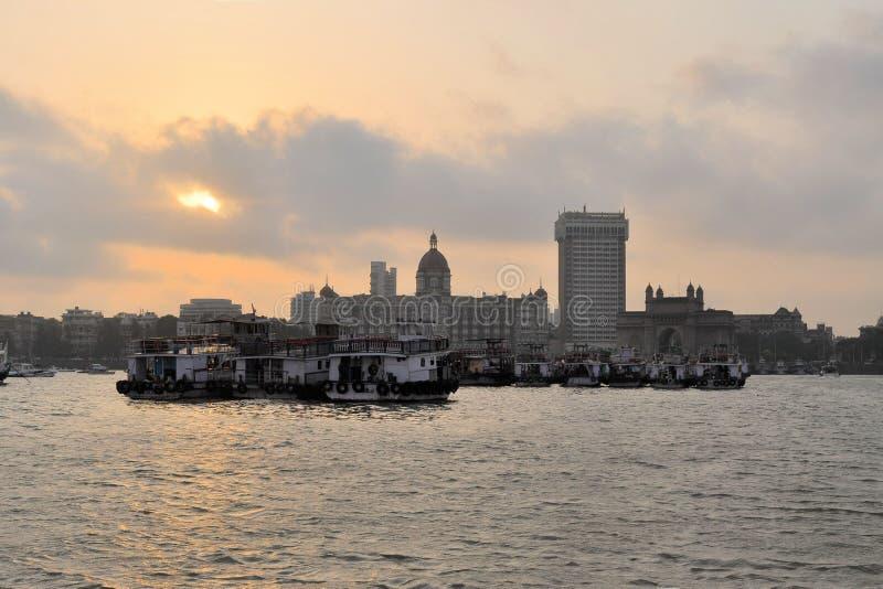 Mumbaihaven met Poort van India, India royalty-vrije stock fotografie