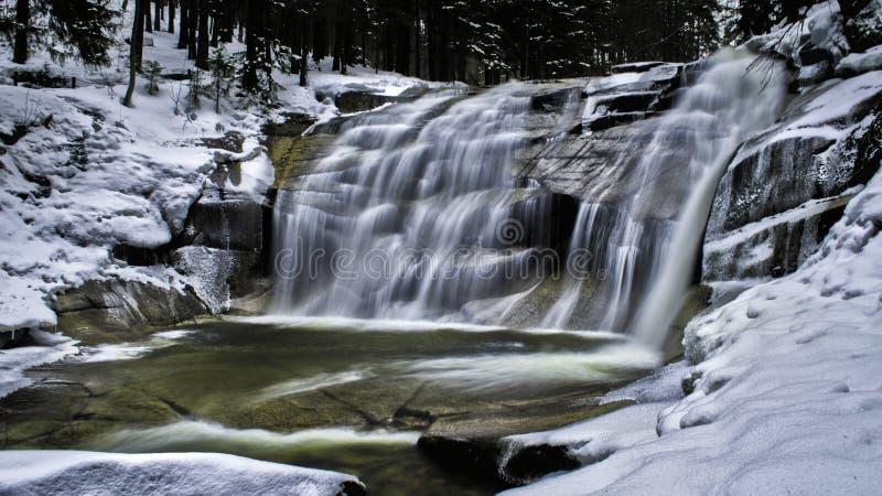 Mumlava Wasserfall stockfoto