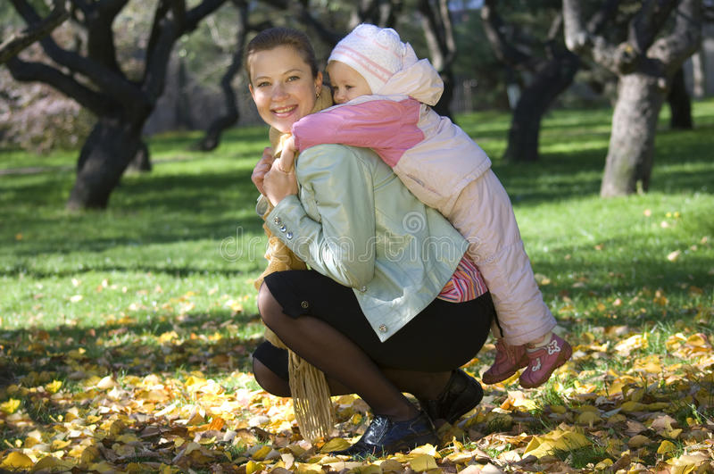 Mummia e figlia fotografia stock libera da diritti