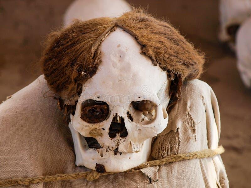 Mummia nel sito archeologico di Chauchilla fotografia stock