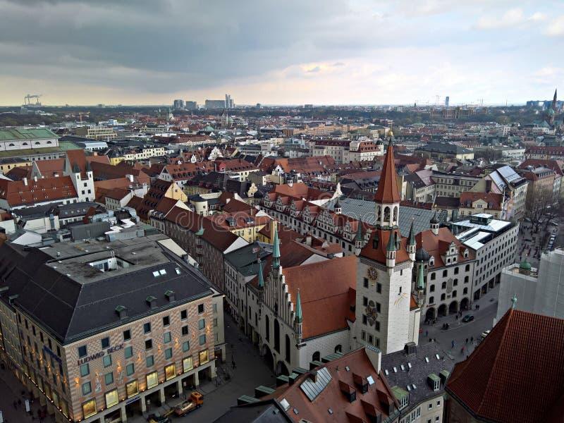 Munchen tak - Spielzeugmuseum Toy Museum i det gamla stadshuset arkivfoton