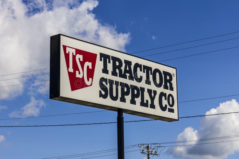 Muncie - circa im September 2016: Einzelhandels-Standort Tractor Supply Company Traktor-Versorgung ist auf NASDAQ unter TSCO II a stockfoto