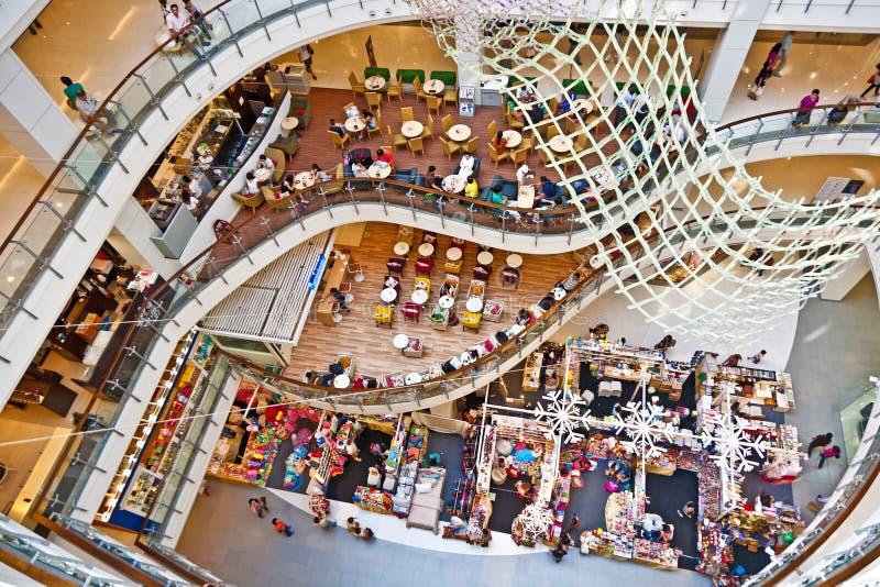 Mundo central interno do complexo de compra em Banguecoque imagens de stock royalty free