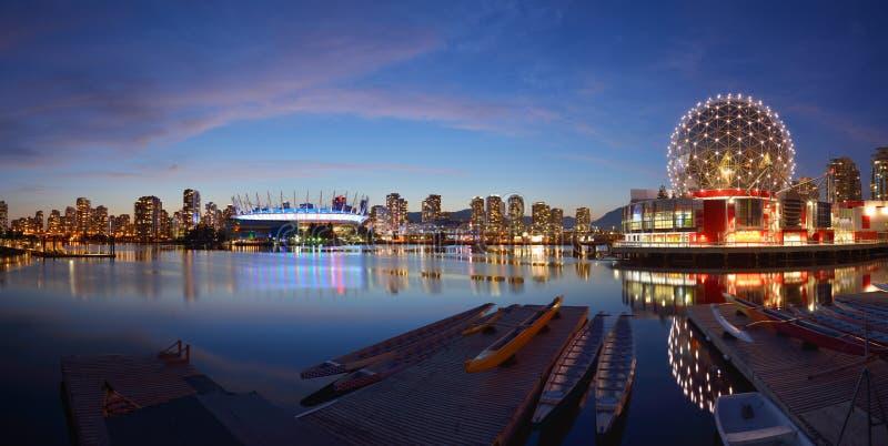 Mundo y A.C. estadio de la ciencia de Vancouver imagenes de archivo
