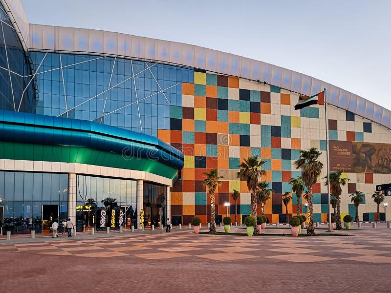Mundos do IMG da aventura um parque temático interno do divertimento na cidade de Dubai fotos de stock