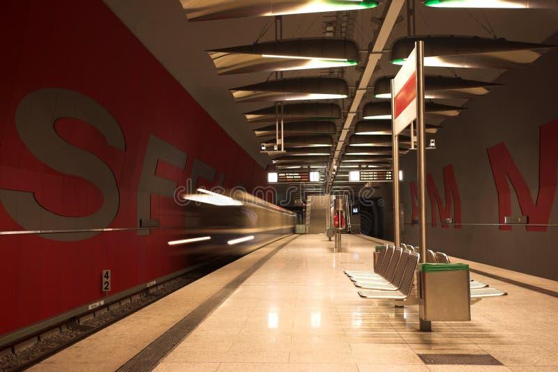 Download Munich #39 foto de stock. Imagem de metro, alemão, plataforma - 540770