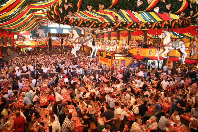 MUNICH, ALEMANHA - Oktoberfest fotografia de stock